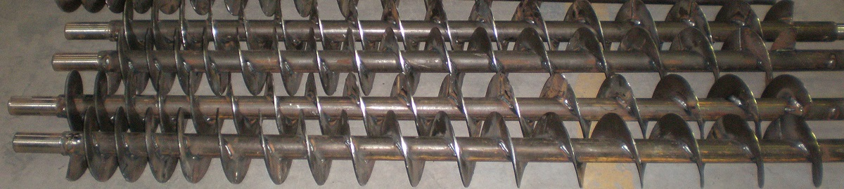Extraction screw conveyor shafts